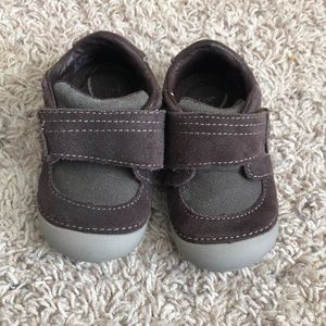 Stride rite walker shoes